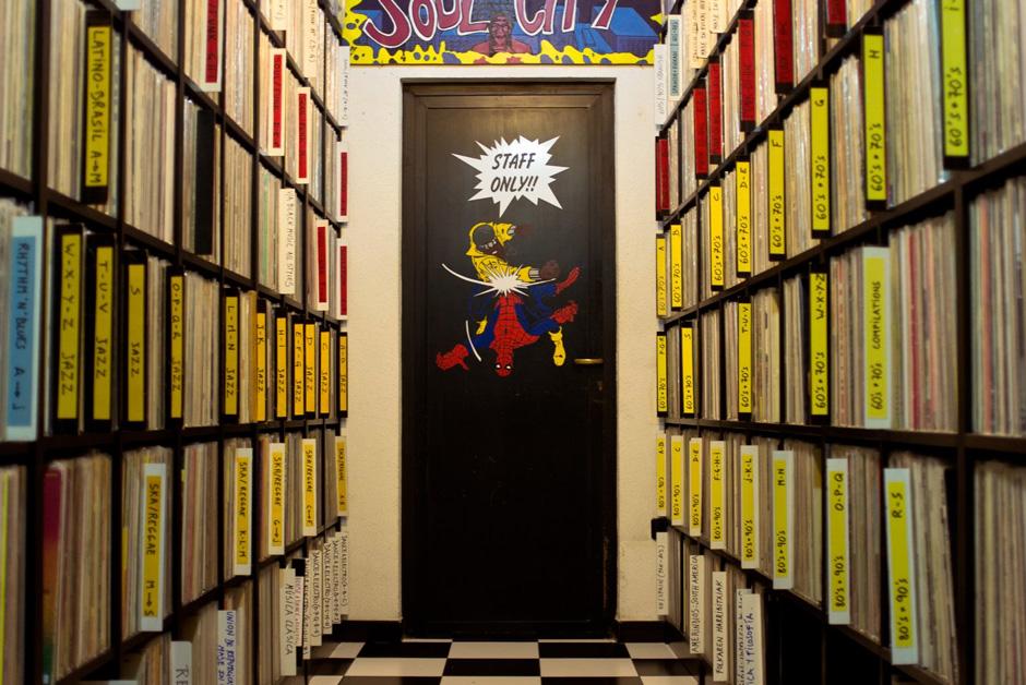 ad-beltza-records-roeht-h